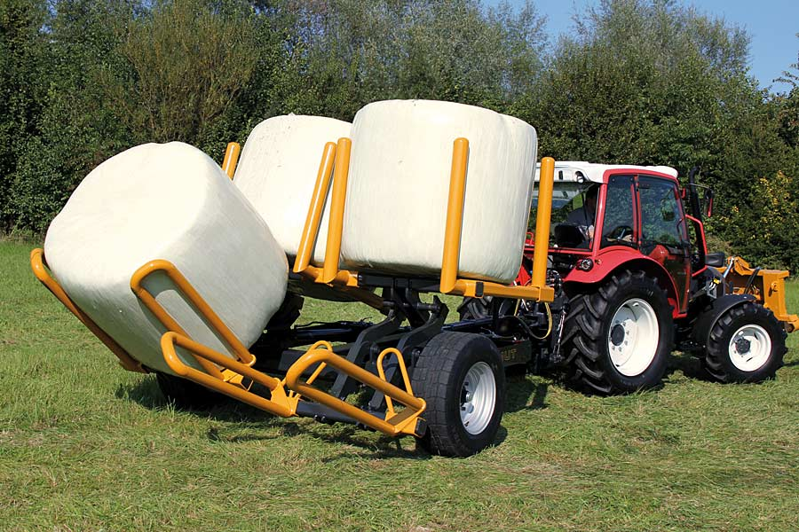 Rundballenwagen, © MAMMUT Maschinenbau