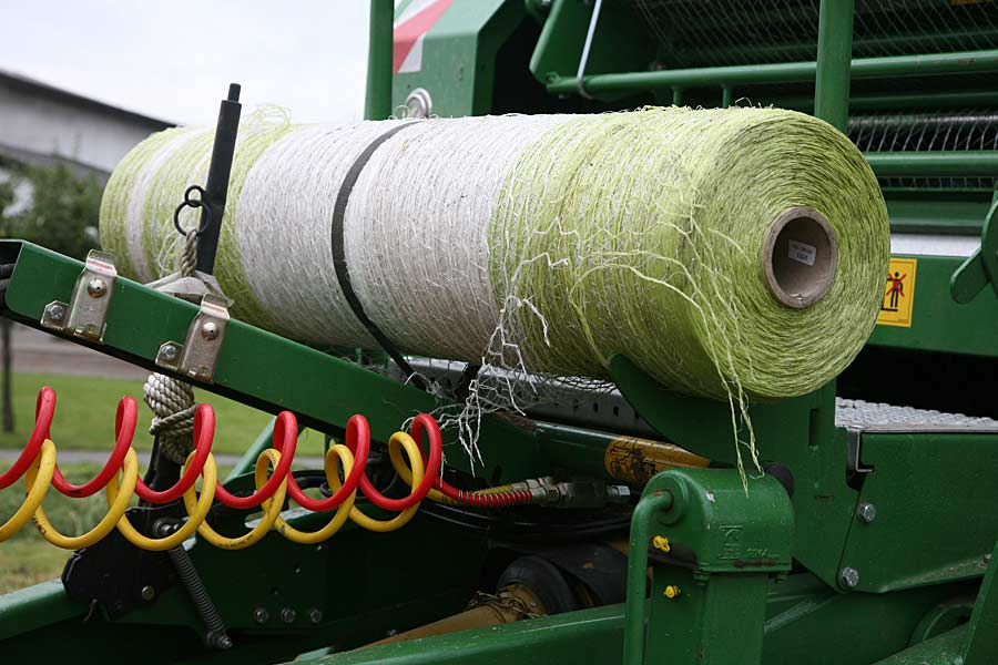 Rolle mit Rundballennetz, © ballensilage.com