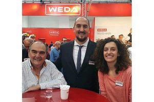 Lucas (Mitte) und Melina Lasorella (rechts) vom argentinischen WEDA-Partner Porlaso, © WEDA