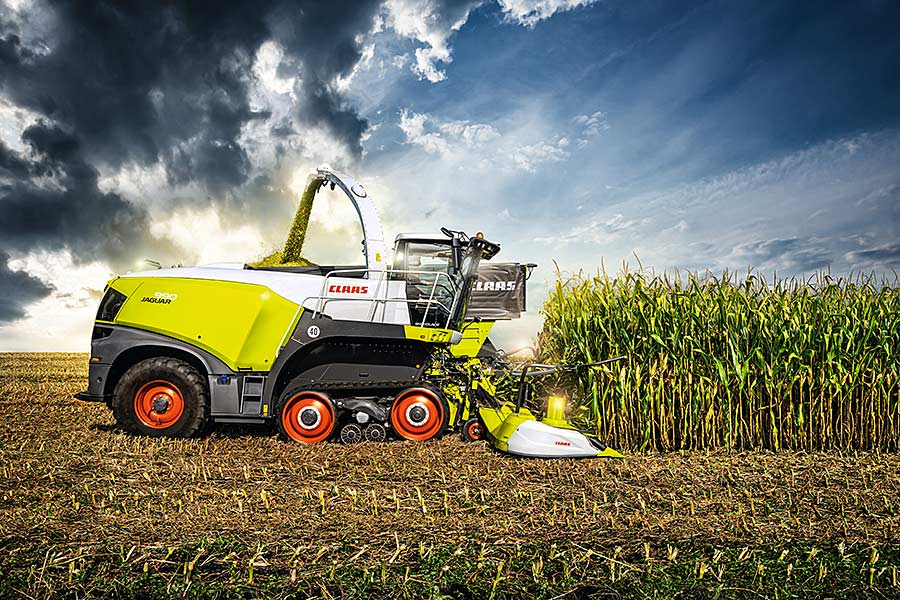 The new Claas-JAGUAR 990, © Claas