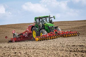 Traktor 7R 330, © John Deere