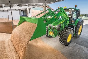 New M Series front loader, © John Deere