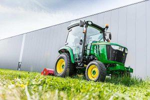 Compact tractor 3039R, © John Deere
