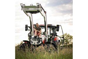 Patrick Romer und der STEYR 4100 Expert CVT, © Steyr Traktoren