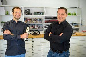 Thomas Wagner (links) und Alain Blind nahmen den iF Design Award für den LEXION Mähdrescher entgegen, © Claas
