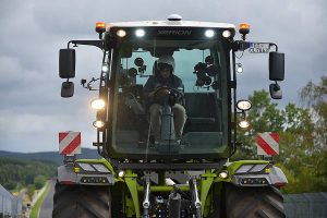 Christian Menzel im Claas Xerion, © Claas
