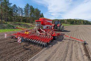 Die neue TERRASEM C6 FERTILIZER CLASSIC überzeugt durch exakte Saatgutablage, © Pöttinger