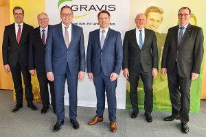 Freuen sich auf die Verstärkung des AGRAVIS-Vorstandes durch Jan Heinecke (4. v. li.): Vorstandschef Dr. Dirk Köckler (v. li.), Finanzvorstand Johannes Schulte-Althoff, der AGRAVIS-Aufsichtsratsvorsitzende Franz-Josef Holzenkamp sowie die Vorstandsmitglieder Hermann Hesseler und Jörg Sudhoff, © AGRAVIS Raiffeisen AG